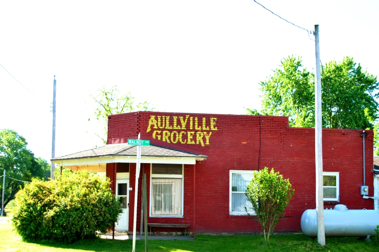aullville grocery